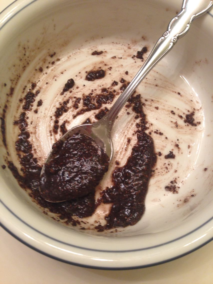 Diy Exfoliating And Brightening Face Mask One Part Coffee Grounds One Part Baking Soda And One Part Coconut Oil Mix Brightening Face Mask Baking Soda Food