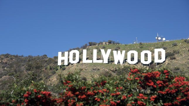 Hollywood dodges writers' strike: reports