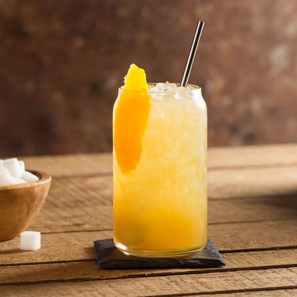 Sweet as honey, with a devilish twist—a Jim Beam® Devil's Cut® twist to be exact. This honey whiskey drink is both charming and flavorful. Citrusy orange juice adds a fresh note to the sweet and smoky bourbon undertones. Drink it with ice and enjoy the smooth ride.