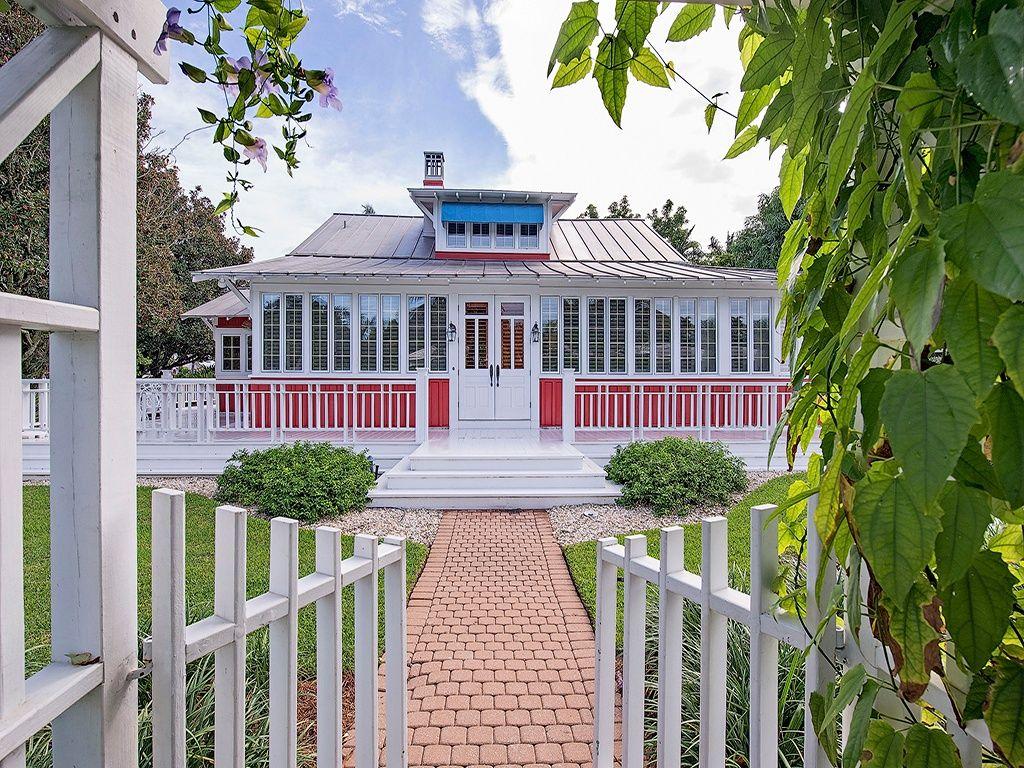 Restored Old House For Sale Darling 1921 Cottage Florida Cottage Florida Homes For Sale Old Houses For Sale