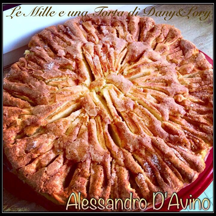 RICETTA DI: ALESSANDRO D'AVINO Ingredienti: zucchero di canna 125 gr farina senza additivi 250gr uova 3 intere limoni grattugiati 2 lievito in polvere una