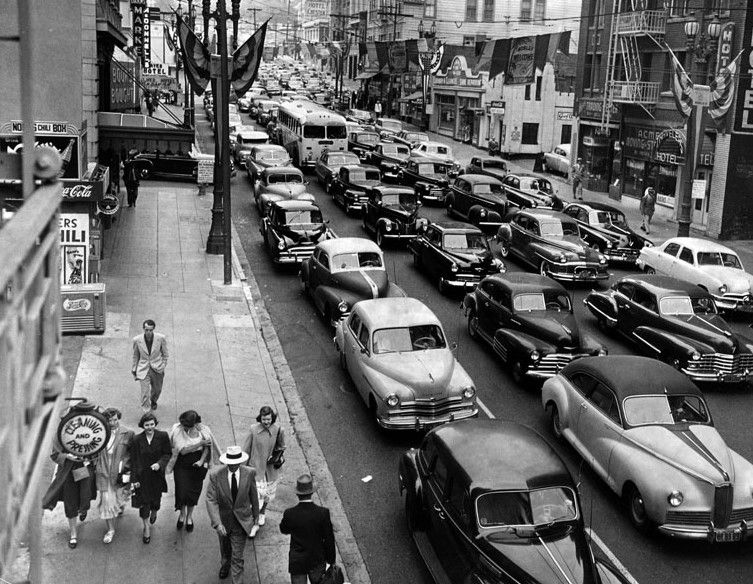 1950)^#^^ - Traffic jam on 6th Street during a transit ...