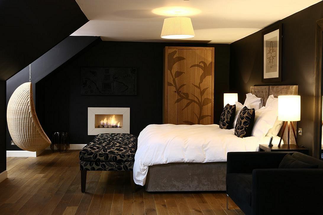 Marvelous astonishing black bedroom ideas for special halloween