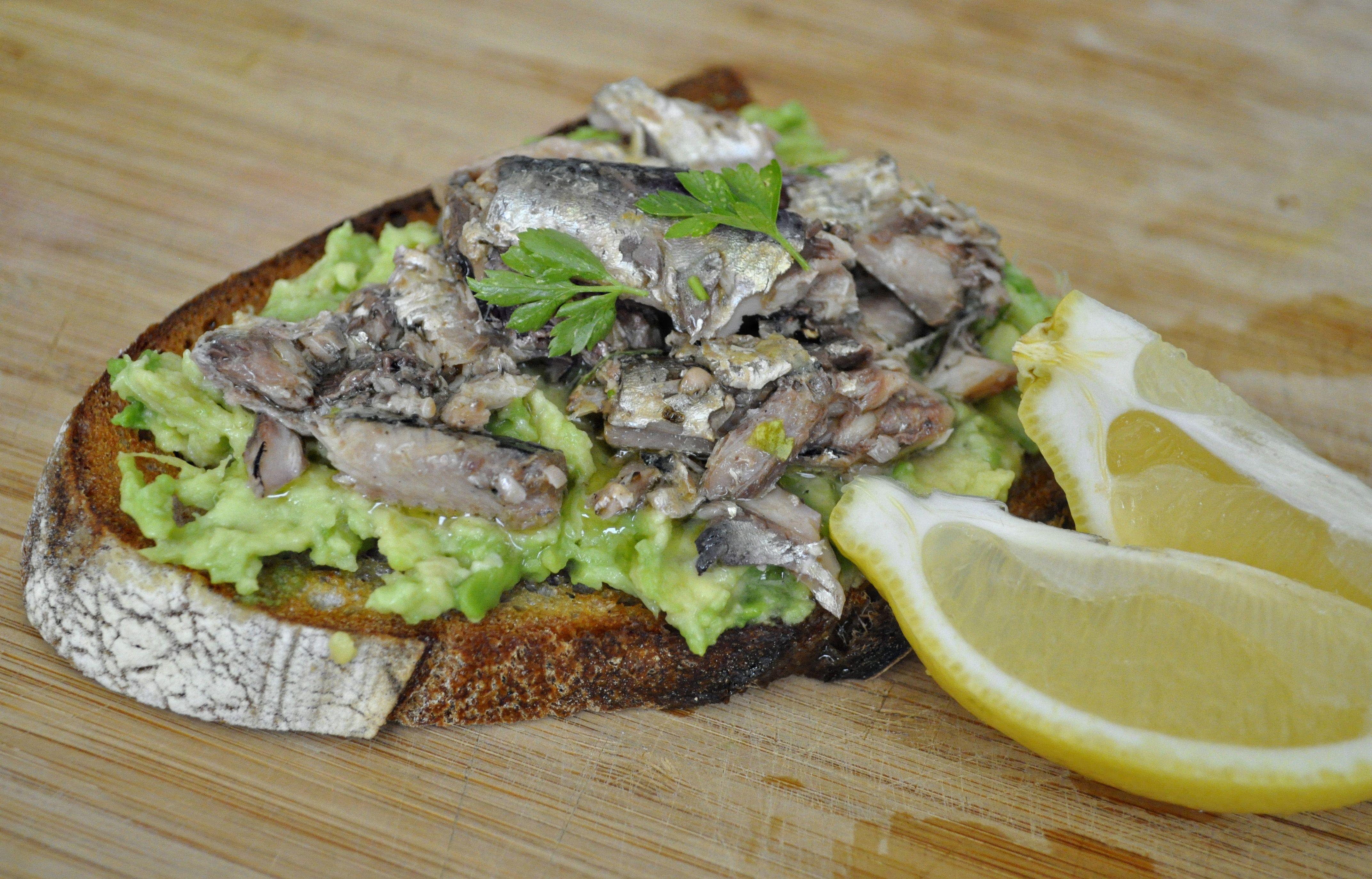 Alton brown 39 s sardine avocado sandwich recipes to try for Sardine lunch ideas