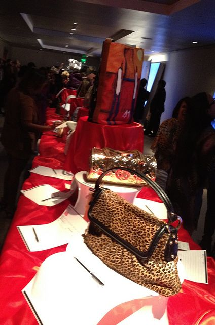 Perfect Use Cool Table Cover. Make People Feel Rich. Creative Risers. Silent  Auction Table