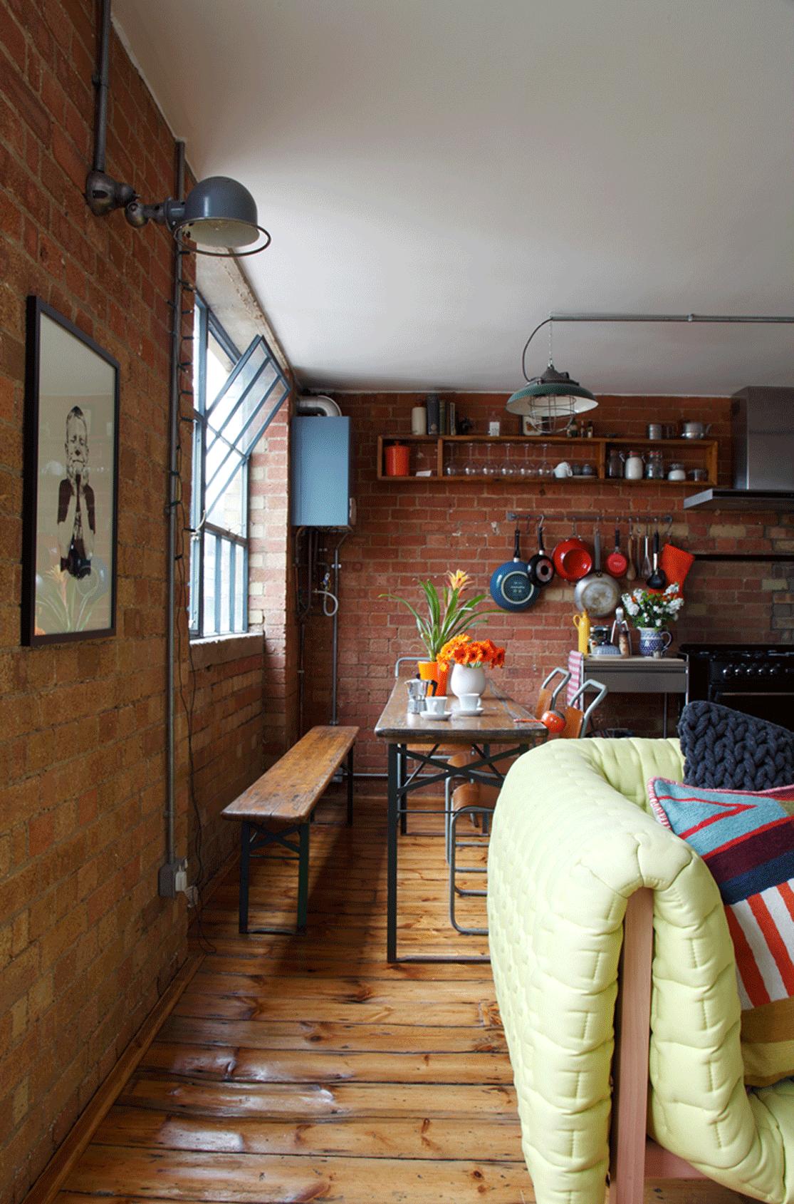 un loft anglais dans un ancien entrep t loft and. Black Bedroom Furniture Sets. Home Design Ideas