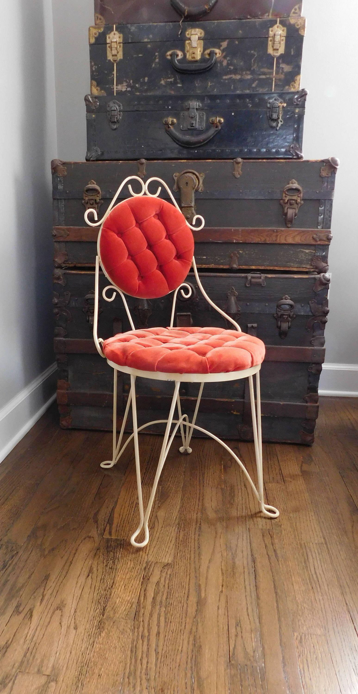 Awe Inspiring Vintage Metal Vanity Chair Slipper Chair Scroll Metal Evergreenethics Interior Chair Design Evergreenethicsorg