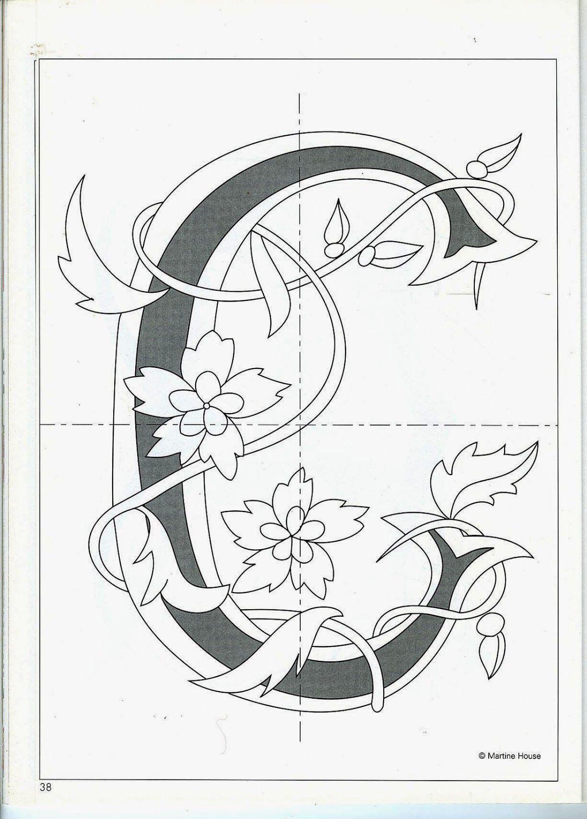 Cruces de hilo y rosas : Letras   tela   Pinterest   Letras, Bordado ...