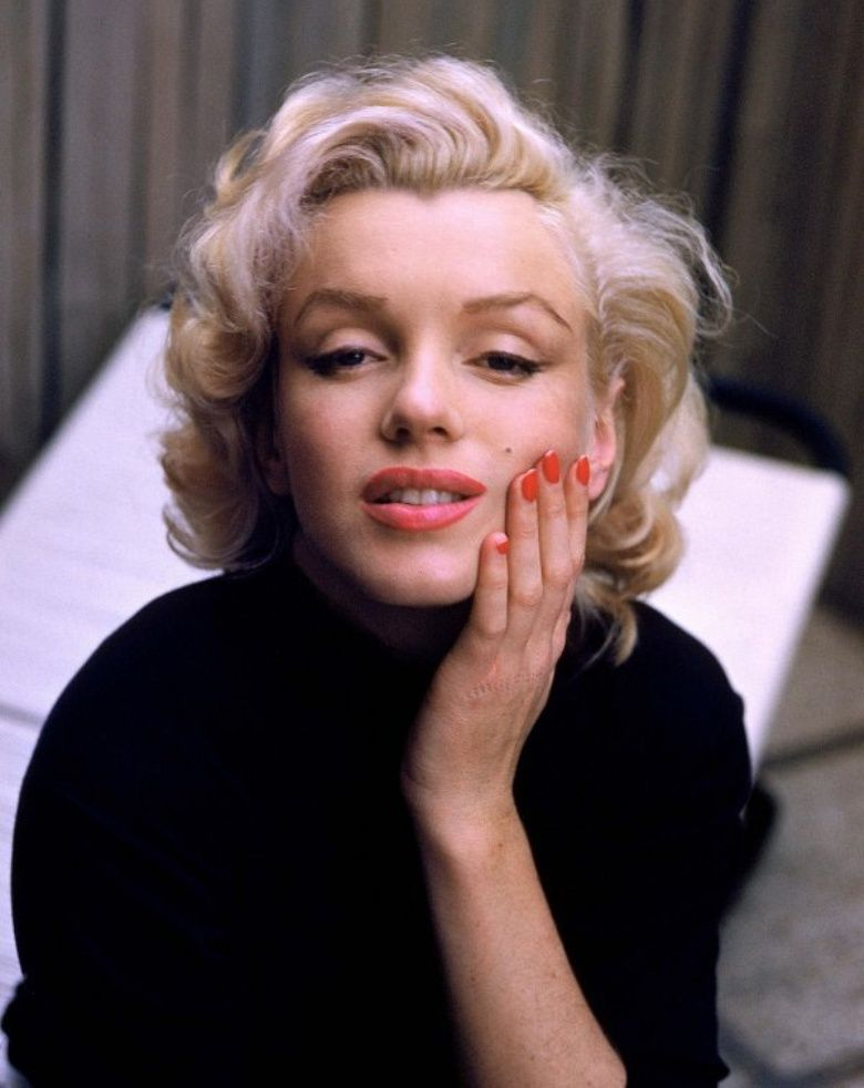 marilyn monroe red nails | Pinterest | Red nails and Makeup
