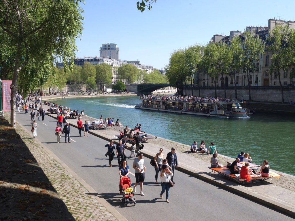 Parc Rives de Seine, une balade à faire en famille des Tuileries jusqu'au  Pont de l'Arsenal   Balade, Paris canal, Balade à paris