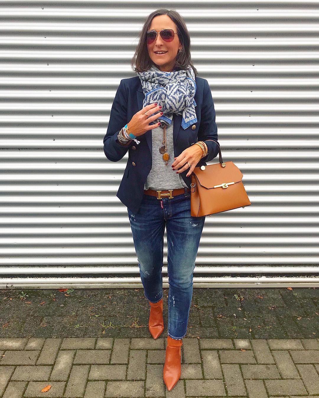 """Photo of Tanja ailyDaily Outfits & Details on Instagram: """"Basics in Blau & Grau💙 * Werbung * Habt einen schönen Nikolaustag ihr Lieben🎅🏻 *********************** ********************* Antrekkskoblinger i … """""""
