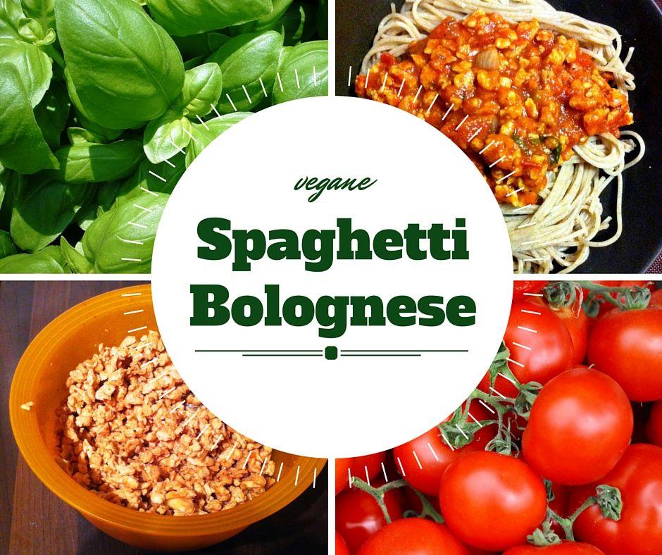 Super einfaches Rezept für leckere vegane Spaghetti Bolognese! Statt mit Fleisch mit Sojaschnetzel, saftigen Tomaten und frischen Kräutern. Hier das Rezept! #vegan #veganbolognese #VegetarianBolognese