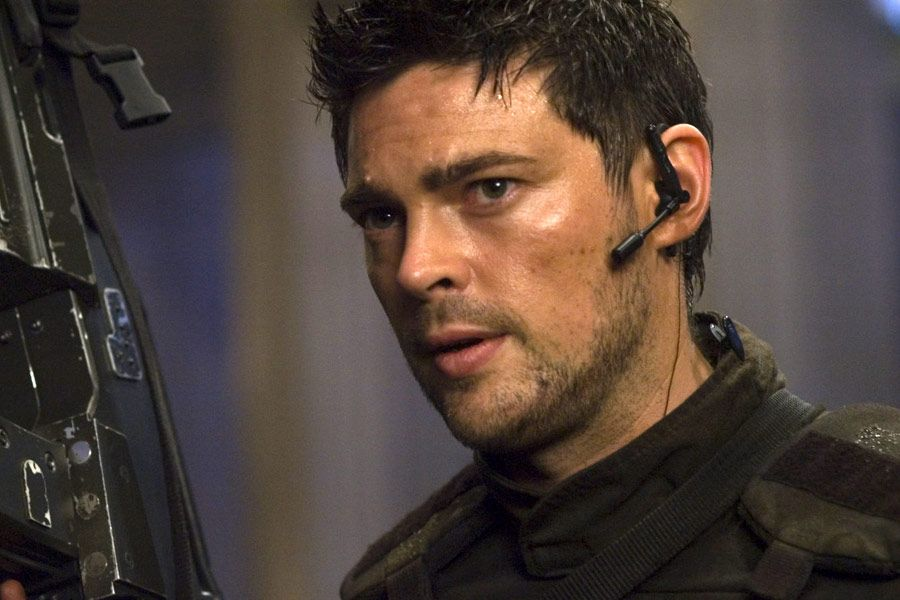karl urban eyes