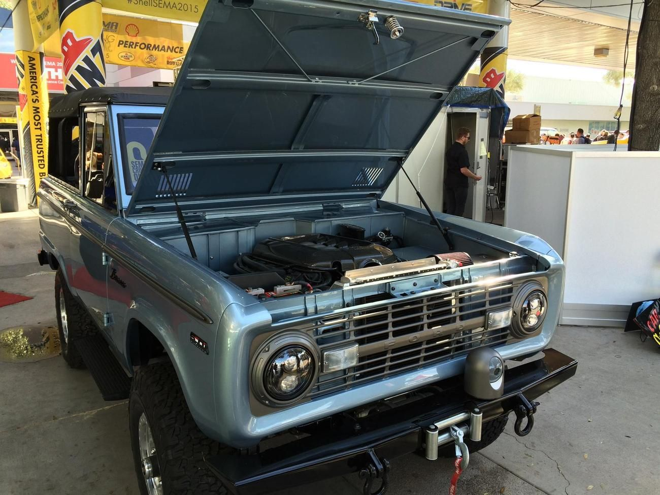 ford bronco with engine ford mustang gt v8 coyote swap ford pinterest ford bronco ford. Black Bedroom Furniture Sets. Home Design Ideas