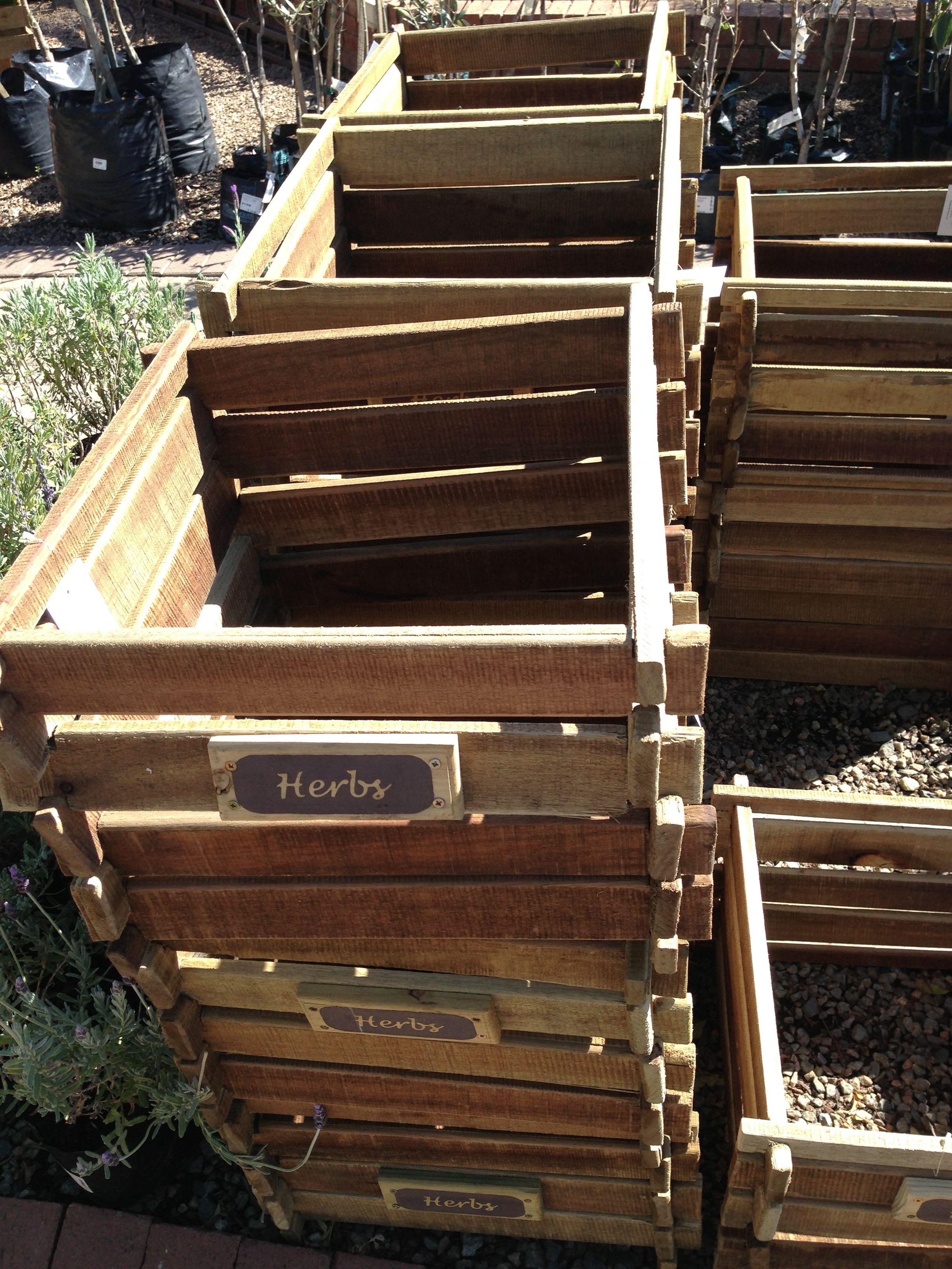 Veggie garden (With images) | Diy decor, Veggie garden, Wood