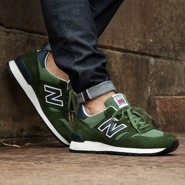 mens new balance green 574 trainers