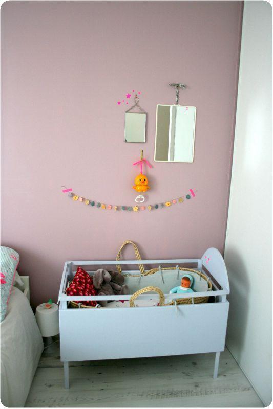 Kleine babykamer hoek in de ouders slaapkamer | emiliesanschichi ...