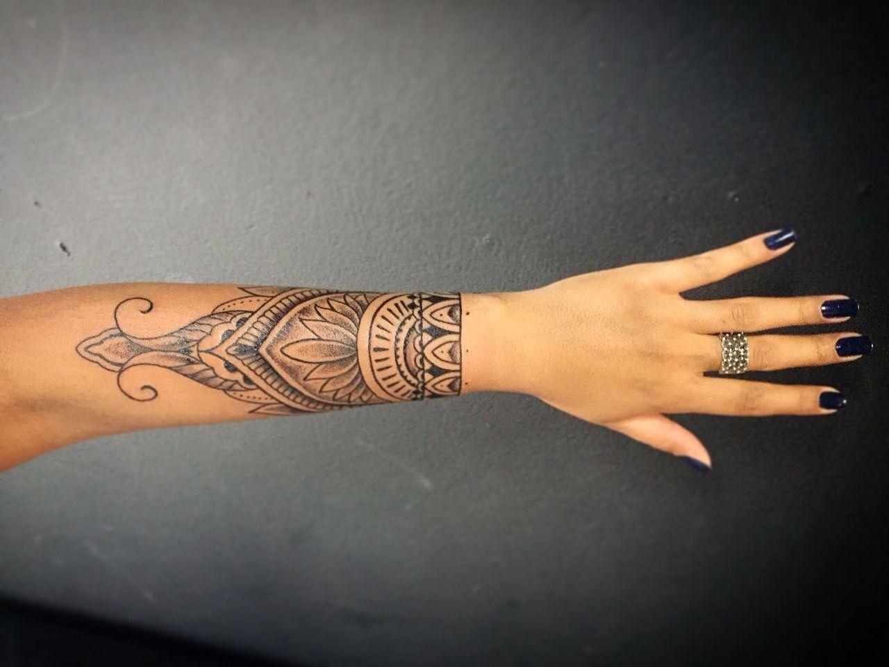 Tattoo bracelete monicke feito por jonhy tattoo tattoos