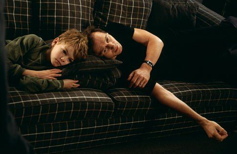Still of Liam Neeson and Thomas Brodie-Sangster in Love Actually ...
