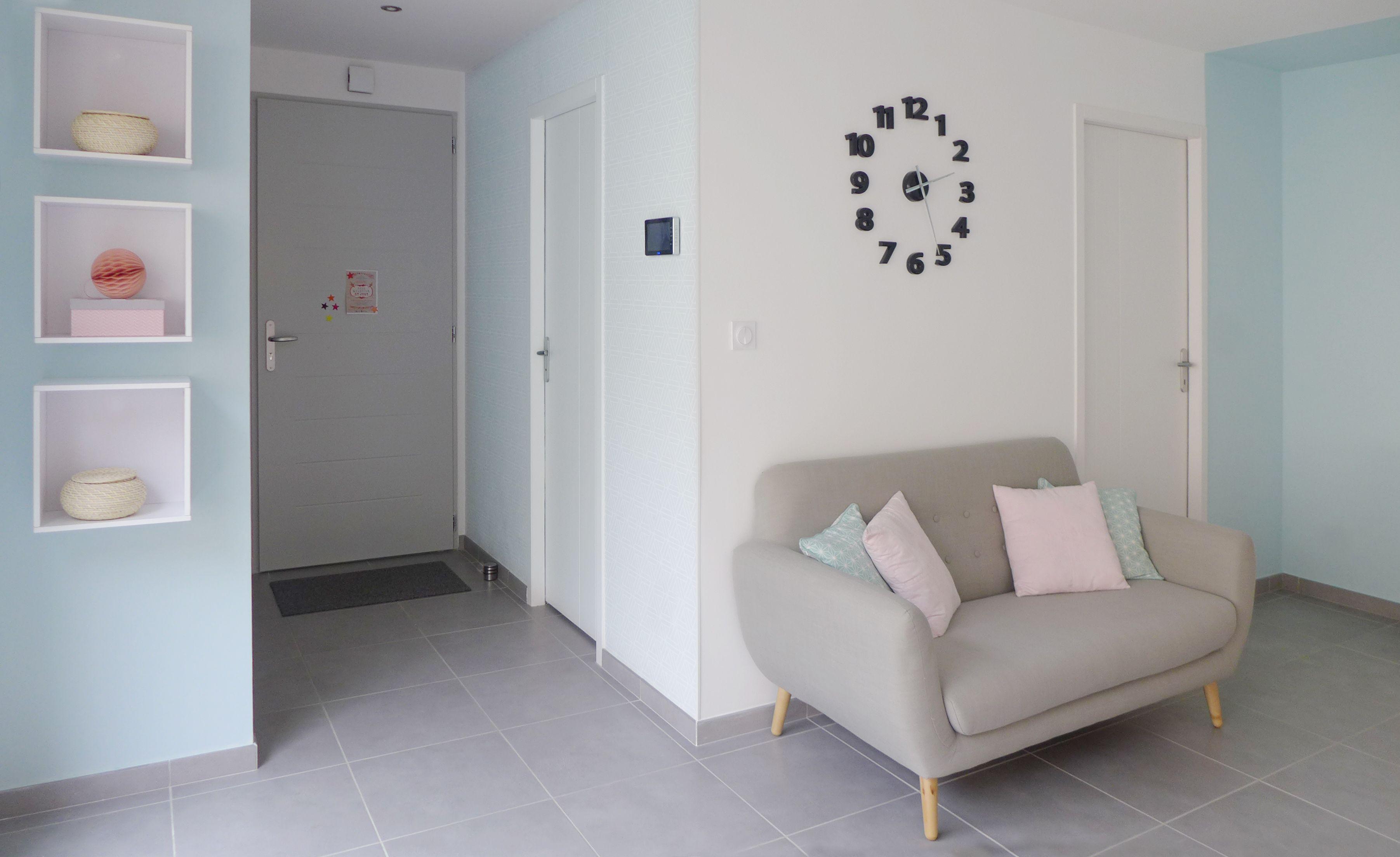 petit coin cocooning dans l 39 entr e r am nag e par l 39 agence d 39 architecture d 39 int rieur et de. Black Bedroom Furniture Sets. Home Design Ideas