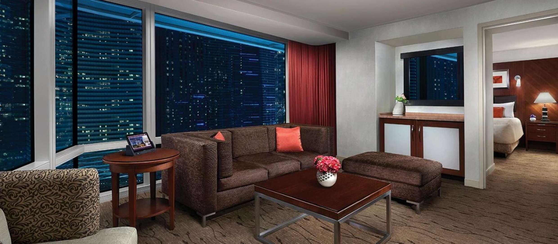Best Suites In Las Vegas Corner Suite Aria Resort Casino Las Vegas Suites Suites Vegas Suites