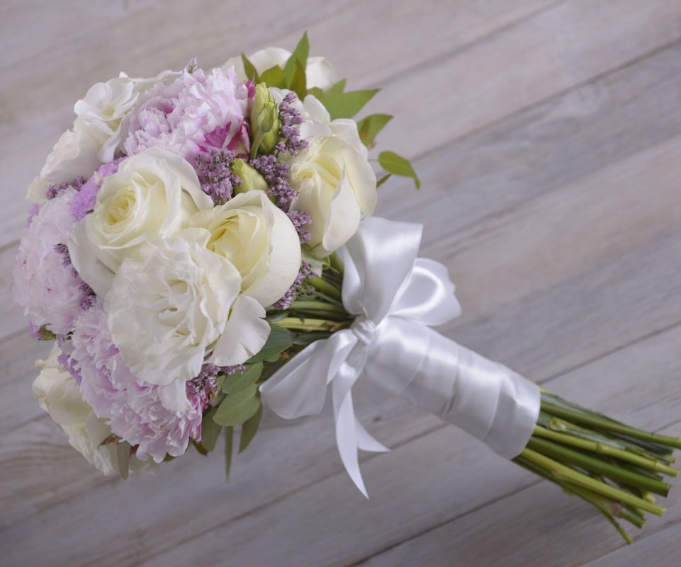 Making Your Own Wedding Flowers: DIY With Flowers: Bridal Bouquet
