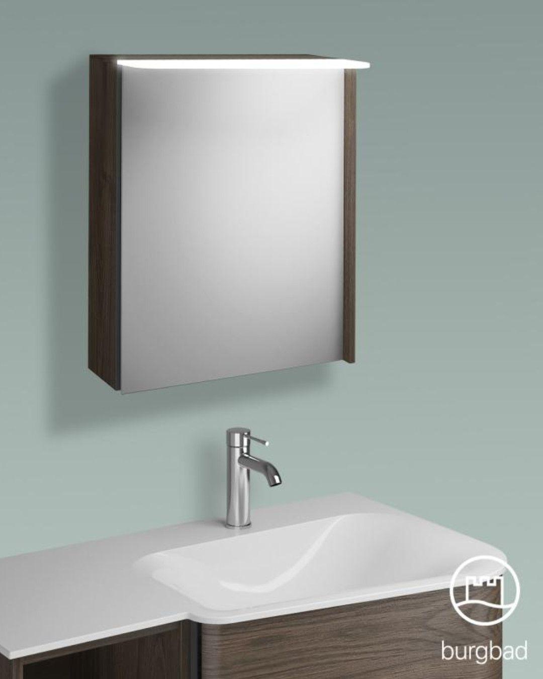 Burgbad Badu Perfekt Passend Zur Serie Badu Aber Auch Zu Vielen Anderen Badeinrichtungen Die Tur Des Spiegelschra Led Beleuchtung Spiegelschrank Beleuchtung