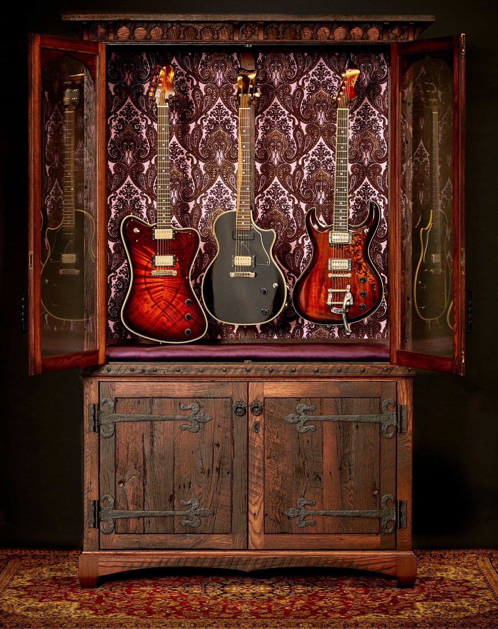 The Original Guitarmoire In Purple Velvet Featuring Echopark Guitars Guitar Display Storage And Humidification Fo Rangement Guitare Mobilier De Salon Guitare