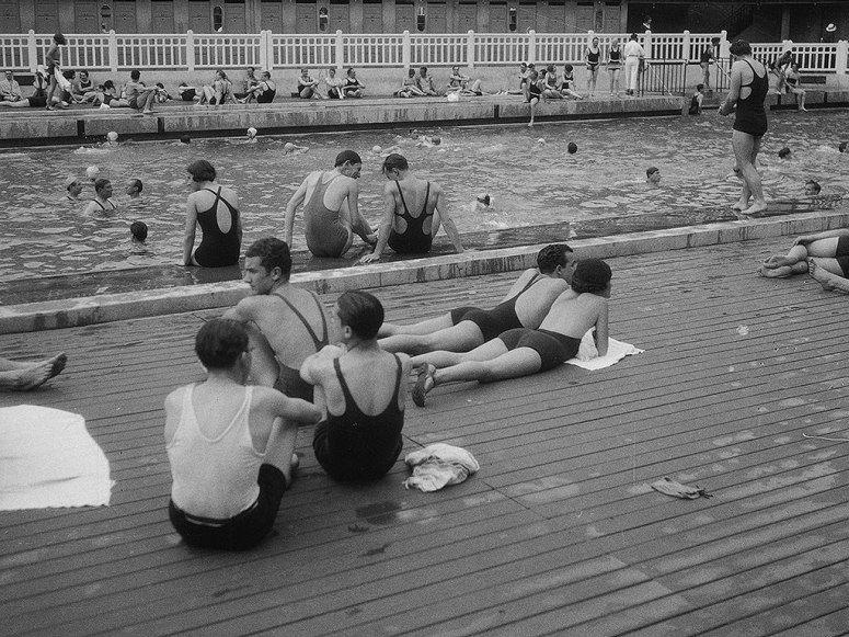 how piscine molitor paris 39 s most famous pool became a glamorous hotel vintage photography. Black Bedroom Furniture Sets. Home Design Ideas