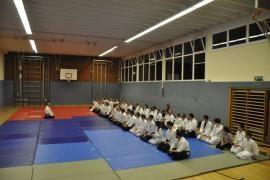 Aikidotraining in Linz/Urfahr, Dezember 2014: Mediation vor dem Aikidotraining