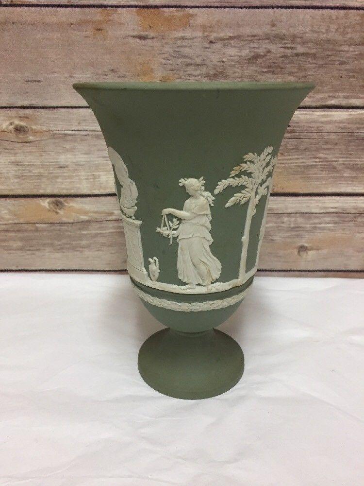 Vtg Wedgwood Jasperware Green Vase Pedestal Large White Relief 8