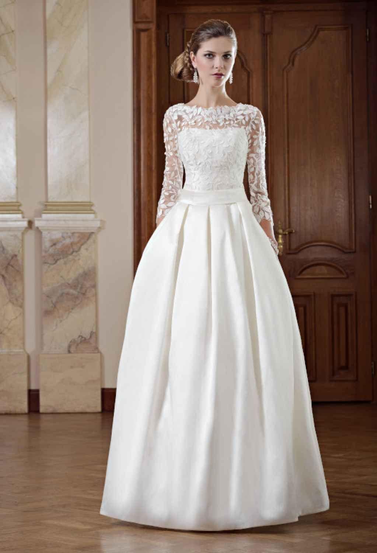 Schmales Brautkleid mit Ärmeln abnehmbare Schleppe  Kleid
