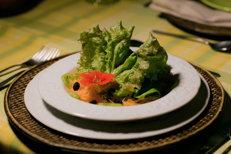 Ou você pode apenas ser surpreendido por pratos com o que há de melhor da culinária gaúcha contemporânea. #paradorcasadamontanha #ecovillage #cambaradosul #experiencia #gastronomia