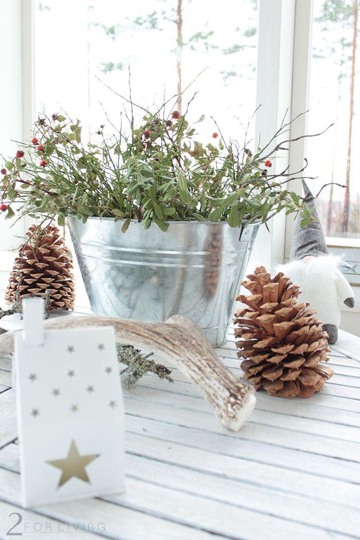 Table decoration at grandmas' #winter #christmas #nature