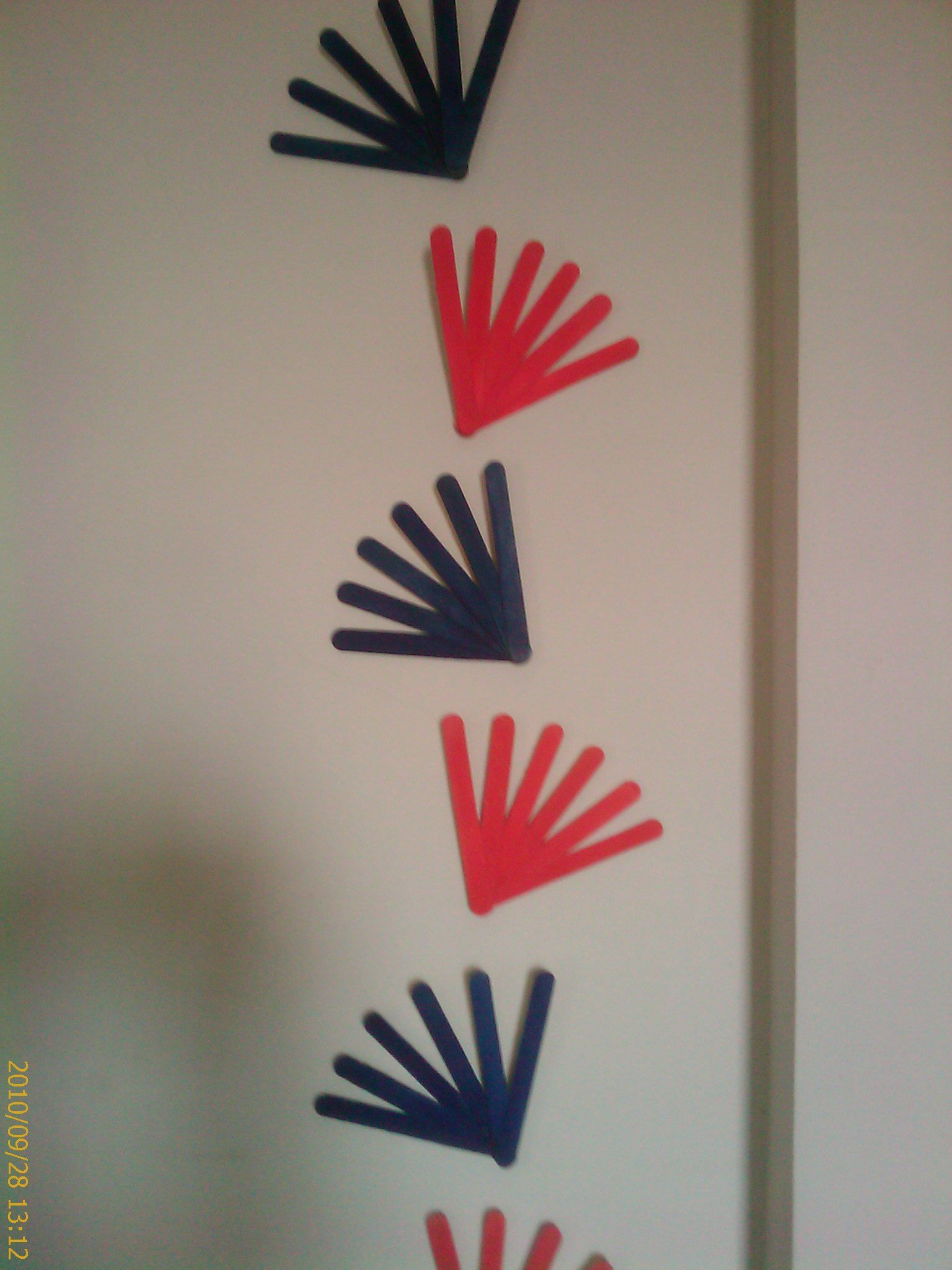 Diy Wall Decoration Made From Ice Cream Sticks For The Home