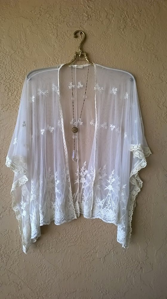 SALE!!!  $45 Image of Free People lace bohemian gypsy girl kimono