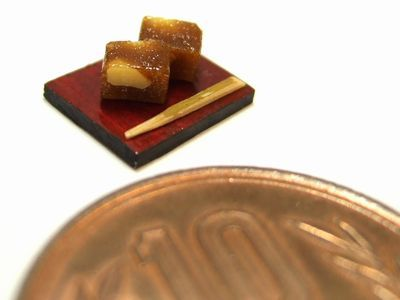 羊羹 Youkan (Steamed azuki-bean jelly)
