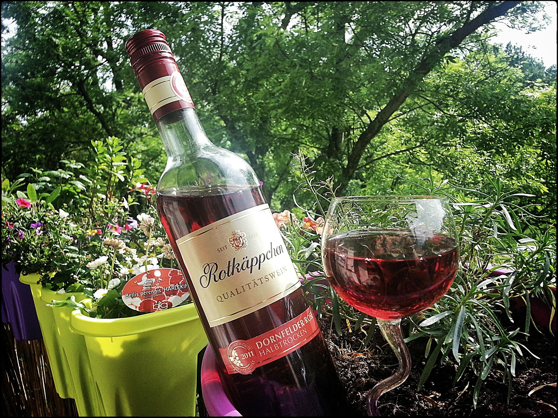 Freitags hab' ich mir einfach Sonne, Balkonien & einen gut gekühlten Rosé verdient!