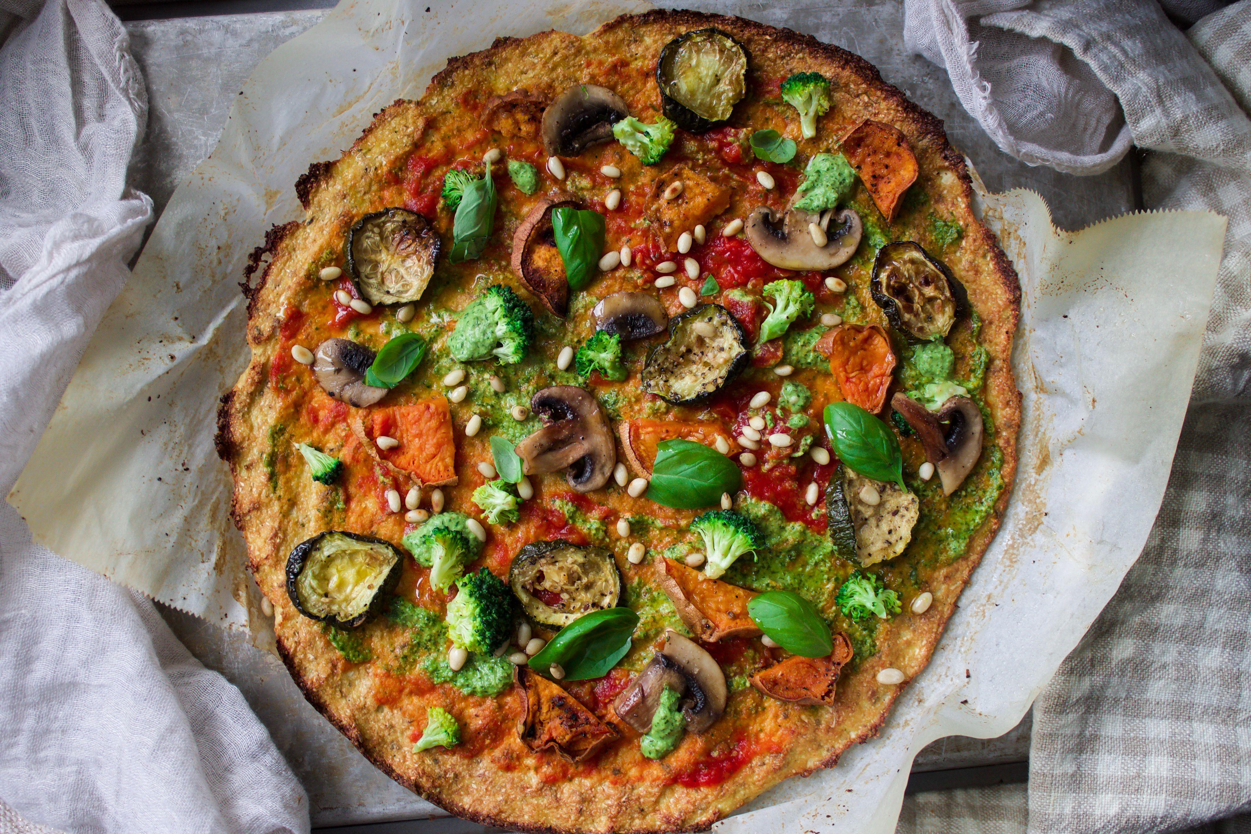 cauliflower pizza #dairy free #glutenfree #vegan