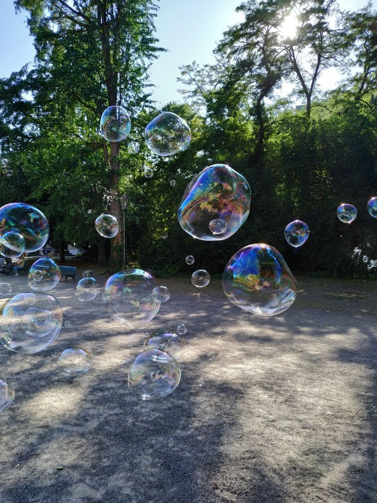 Pin By Andrea Peitz On Soap Bubble Pictures Soap Bubbles Bubble Pictures Bubbles