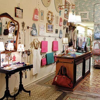Tiendas de ropa estilo vintage minimalista buscar con for Ideas para decorar un local de ropa interior