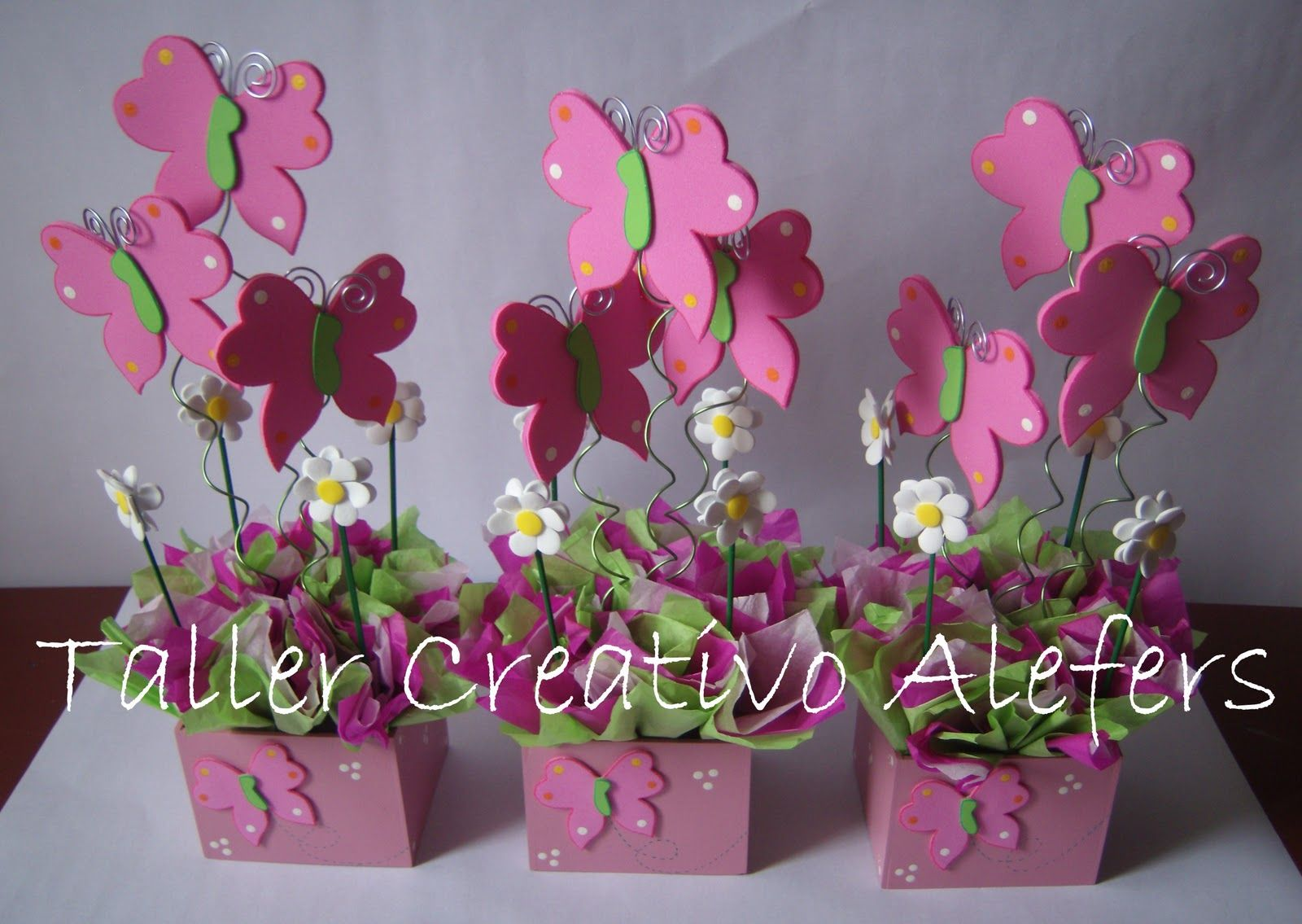 Centros de mesa infantiles de flores y mariposas buscar - Centros de mesa con flores ...