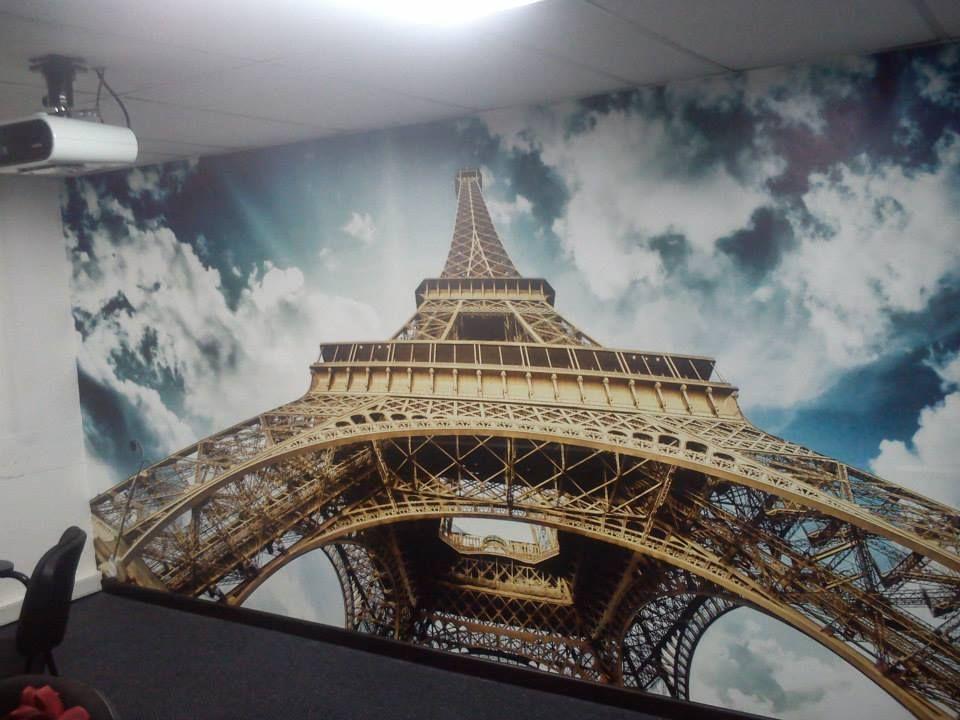 Fotomural montaje torre eiffel vinilos decorativos for Pegatinas murales pared