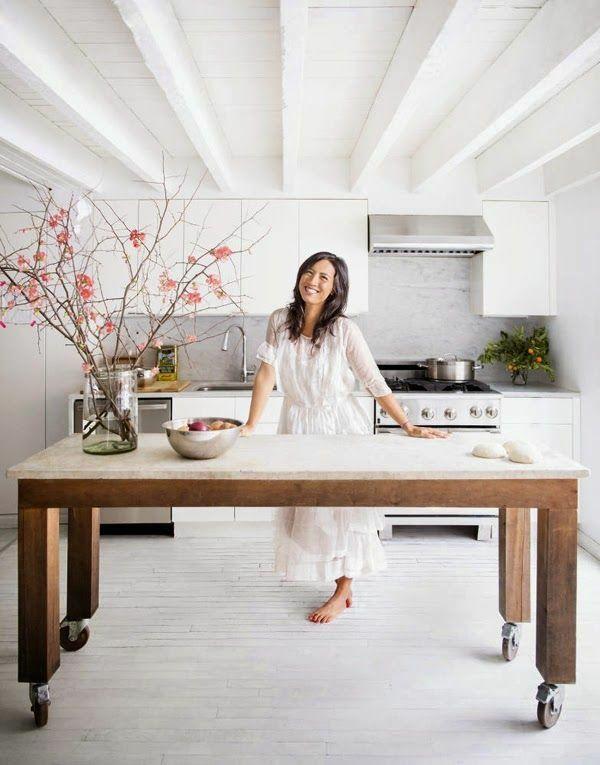 Moderne Küchen mit Kochinsel küchenblock freistehend rollen ...