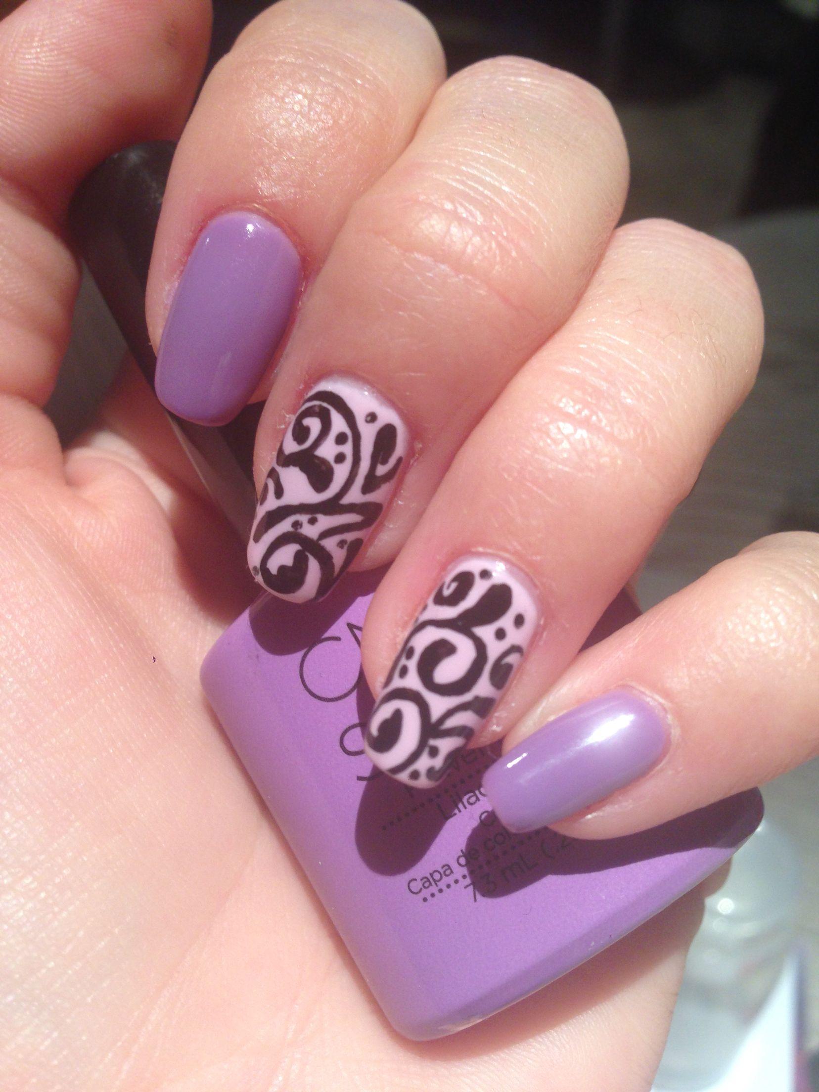 Bonito Diseño Púrpura Y Verde De Uñas Cresta - Ideas de Diseño de ...