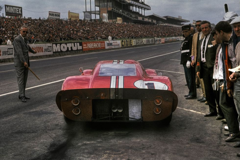 How Ford Beat Ferrari At Le Mans Le Mans Ford Racing Ford Gt