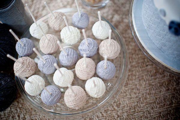 knitting inspired cake lollipops.