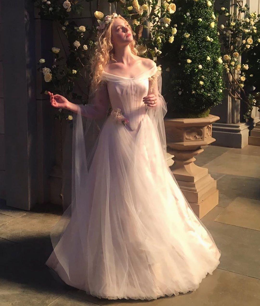 "The Catwalk Italia – TCI on Instagram: ""#ellefanning wedding dress in #maleficent 👍🏼or👎🏼?"" – Karis – Nymph"