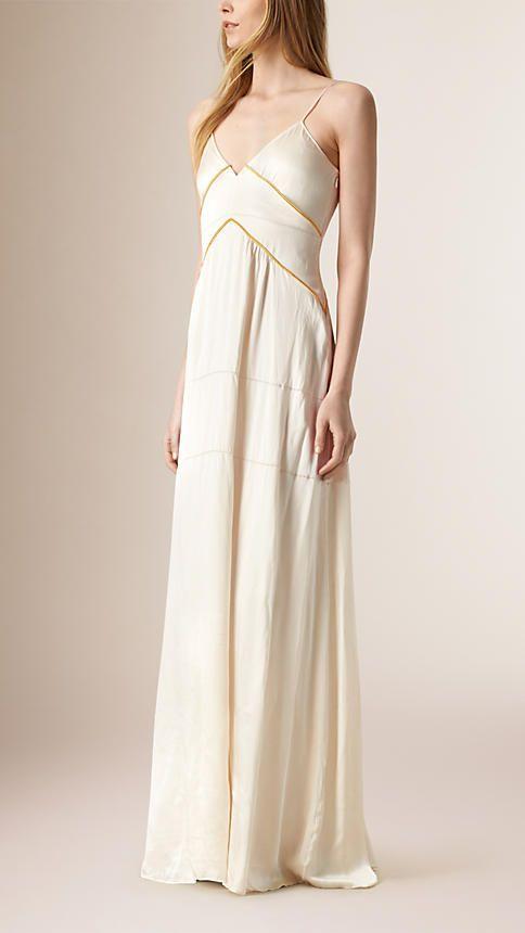 Robes   combinaisons pour femme   Burberry   Robes de mes rêves ... 33e30c770f5