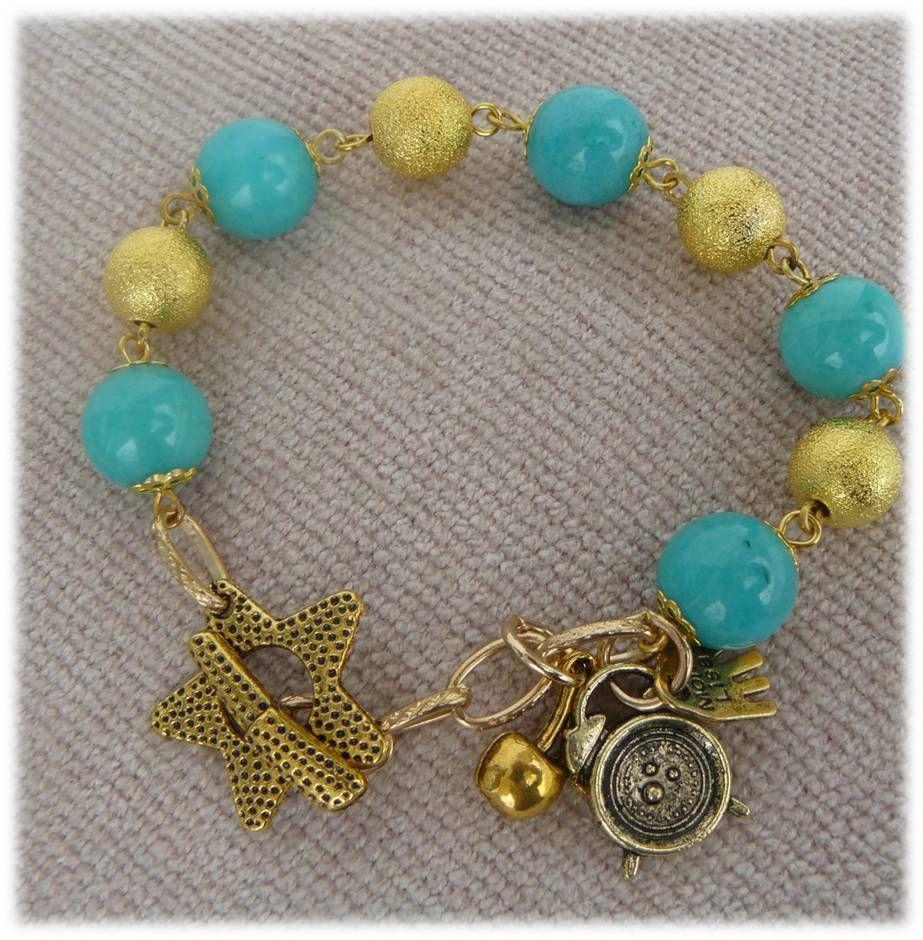 diferent bracelet